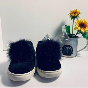 "Betsey Johnson ""ZAPPP"" puff fashion sneakers 400"